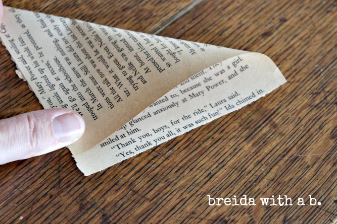DIY Book Page Junk Frame - from breida at breidawithab.com