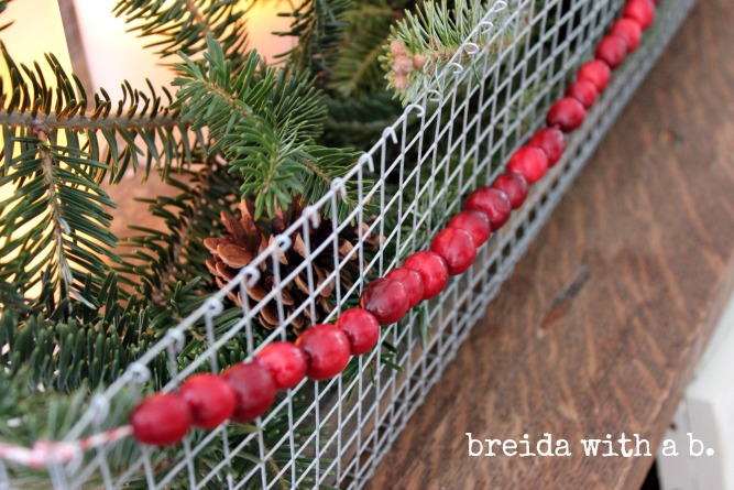Easy DIY Table Top Christmas Display breidawithab.com